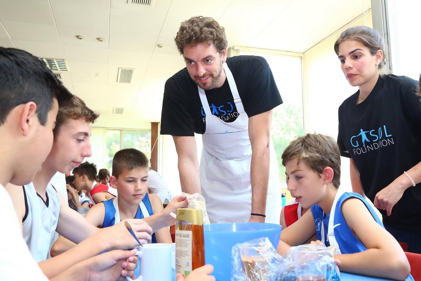 Aprendemos a cocinar con los j venes atletas de la ppga for Cocinar con 20 soles
