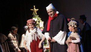 http://huelvabuenasnoticias.com/2013/12/10/amitea-lleva-hasta-el-gran-teatro-el-clasico-cuento-de-navidad/